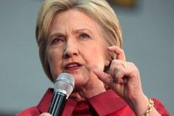 L'FBI investigarà nous correus electrònics de Clinton després de les últimes filtracions (EUROPAPRESS)