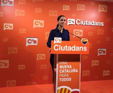"""Arrimadas: """"No podem estar còmodes si PP i PSOE es posen d'acord per augmentar impostos"""" (EUROPA PRESS)"""