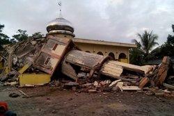 El terratrèmol d'Indonèsia deixa 102 morts, més de 700 ferits i 11.000 desplaçats (EUROPAPRESS)