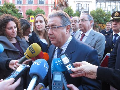 """Zoido, sobre la cimera de Puigdemont: """"Hem d'imposar el diàleg i no cedir a aquesta espècie de xantatge"""" (EUROPA PRESS)"""
