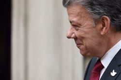 Santos rep el premi Nobel de la Pau per signar la pau amb les FARC (REUTERS)