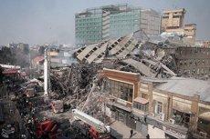 Un mínim de 20 bombers morts per l'ensorrament d'un edifici incendiat a Teheran (REUTERS)