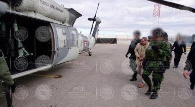 Arriba als EUA el narcotraficant 'El Chapo' Guzmán, després de ser extradit des de Mèxic (PGR - MEXICO'S ATTORNEY GENERAL'S OFFICE)
