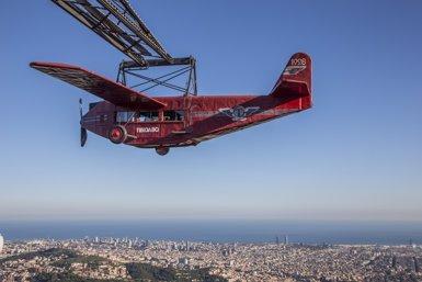 L'històric avió del Tibidabo deixa el parc per ser restaurat (TIBIDABO)