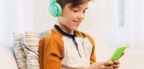El abuso de los móviles se 'cuela' en las consultas de Pediatría (INTEL SECURITY)