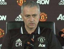 Mourinho homenatja Ranieri: