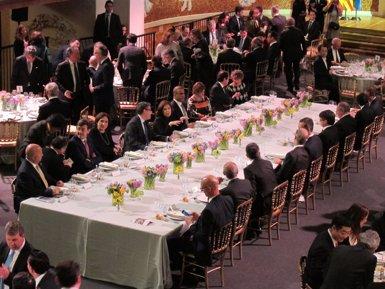 El Rei inicia la visita inaugural del congrés de mòbils (EUROPA PRESS)