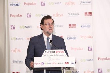 """Rajoy diu que Homs està sotmès a la llei com tots i li recorda que Espanya té """"molt bona salut"""" (Europa Press)"""