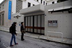 Un atac provoca danys a l'Institut Francès d'Atenes ( MICHALIS KARAGIANNIS / REUTER)
