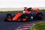 Mercedes, con Hamilton, sigue dominando y Alonso abre con problemas en el MCL32