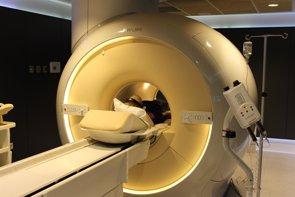 Sanidad alerta de la formación de depósitos cerebrales con algunos contrastes para resonancia magnética (ICS)