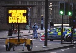 Identifiquen el terrorista de Londres com Khalid Masood, sense antecedents per terrorisme ( HANNAH MCKAY / REUTERS)