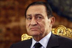 Mubarak surt de la presó després de sis anys (REUTERS)