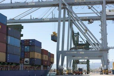 Les exportacions catalanes creixen un 11,5% fins al febrer (MATEU SALVAT PAPIO/PUERTO DE TARRAGONA)