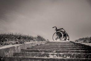La esclerosis múltiple provoca un empeoramiento de salud hasta 5 años antes de debutar (PIXABAY/FEROBANJO)