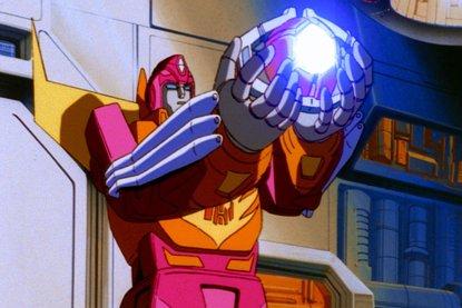 Primera imagen de Hot Rod en Transformers 5: El último caballero (SONY BMG)