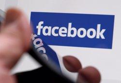 Suècia condemna tres homes per violar una jove i transmetre-ho en directe per Facebook (REGIS DUVIGNAU)
